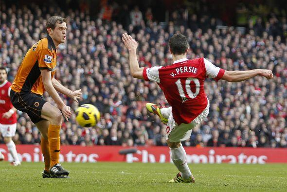 El Arsenal logró un valioso triunfo ante el Wolverhampton por 2 a 0.