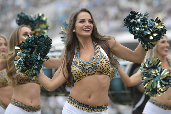 En fotos: las sensuales 'rompecorazones' de la Semana 13 en la NFL ap-17...