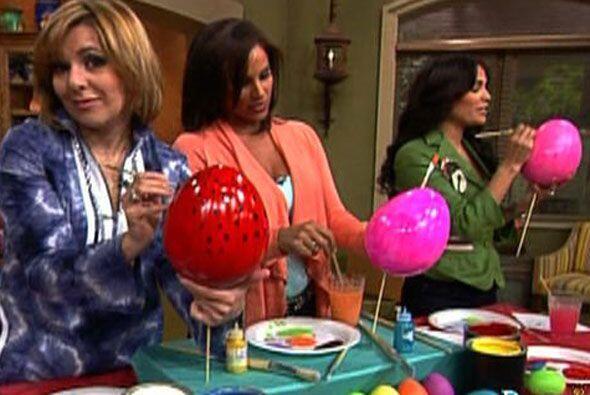 Ana y Karla contaron con la compañía de Alexandra. Ellas pusieron manos...