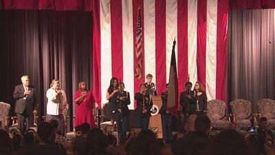 Estudiantes de la preparatoria Lamar rinden tributo a las víctimas del 9/11