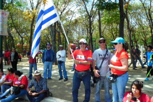 La bandera de Uruguay, otro país que ha mostrado abiertamente su empatía...