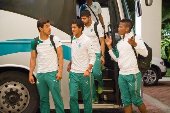 -Cuatro días antes del partido ante Querétaro viajaron al DF para entren...