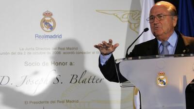 La FIFA, comandada por Blatter, ahora tiene en su mira al Real Madrid, i...