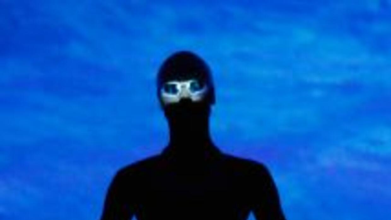 Los nuevos trajes han sido probados en el agua con los temidos tiburones...