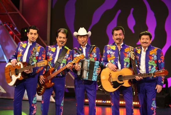 Los honorables Tigres del Norte...
