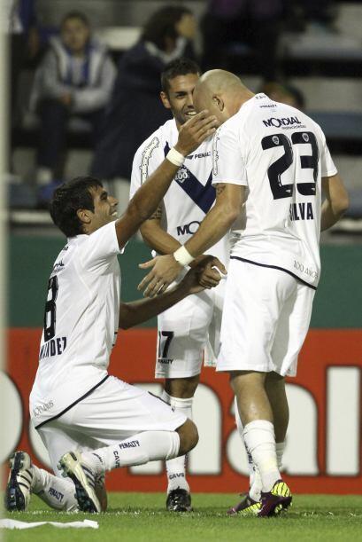 Todo lo contrario para Vélez que dirige Ricardo Gareca. Es puntero absol...
