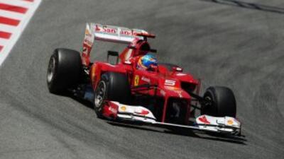El español Fernando Alonso, de Ferrari, ilusionó a sus compatriotas al l...