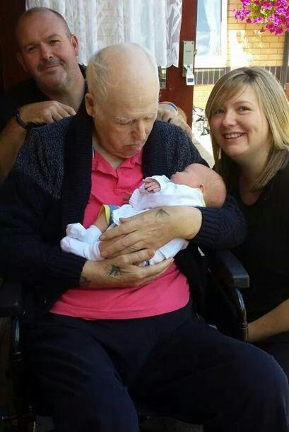 El bebé no mostraba  otros síntomas de la enfermedad, por lo que fue una...