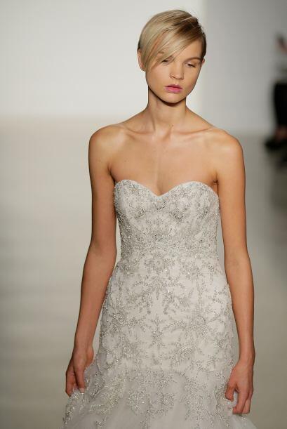 También vimos la 'Bridal Collection' de  Kenneth Pool, con muchas...