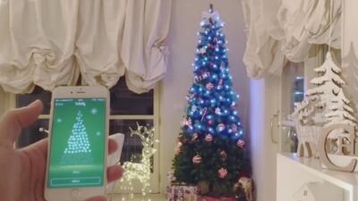 Mira cómo con un solo clic puedes controlar la iluminación de tu arbolito de Navidad