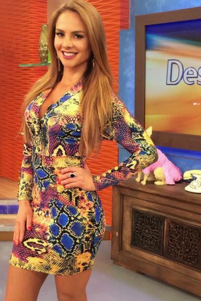 """""""La fotico de mi look de hoy en @DespiertaAmeric"""", compartió Ximena Córo..."""