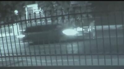En video: Joven hispano es violentamente arrollado por un vehículo