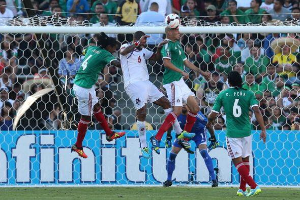 En el papel, por tradición e historia, México parte como favorito, pero...