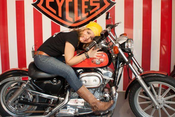 Su gran anhelo es tener la motocicleta de sus sueños.