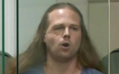 Jeremy Christian enfrenta nueve cargos en su contra por apuñalar a tres...