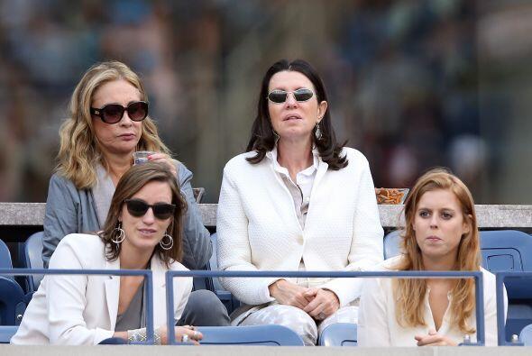 La princesa Beatriz (abajo a la derecha).Mira aquí lo último en chismes.