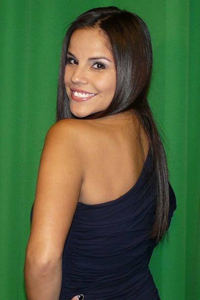 La guapa Cynthia Piña visitó Univision 45.