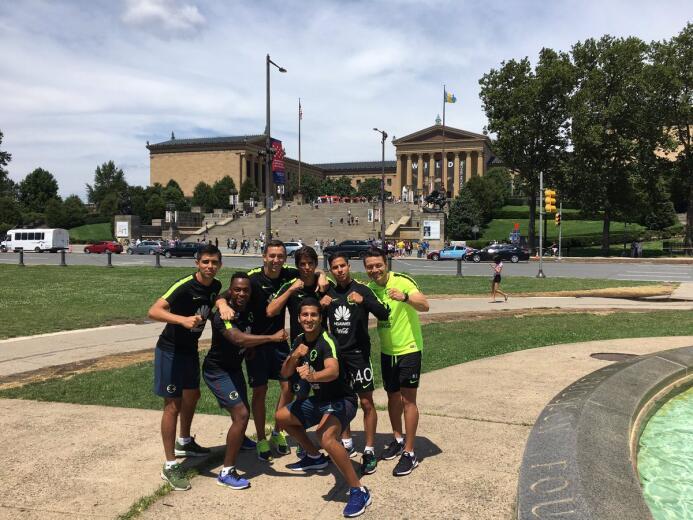América visitó a Rocky Balboa en Philadelphia Rocky4.jpg