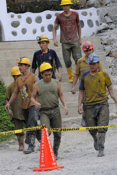 Explicó que las tareas de rescate se realizan en dos frentes para intent...