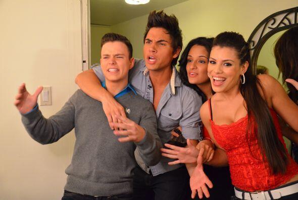 Luis, Yaidain, Dora y Marlin se unieron para la foto.