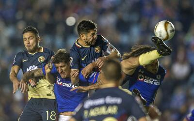 Campeones con corona abollada en la Liga MX 20171123-5439.jpg