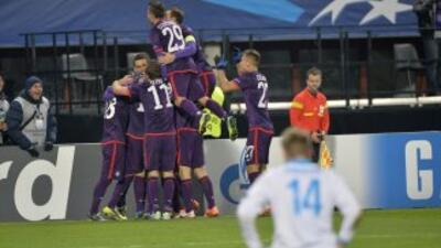 Contrario a lo que se pensaría, el equipo que festeja por golear, el Vie...