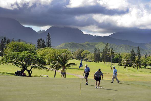 El cielo despejado podía contemplarse en el clud de golf.