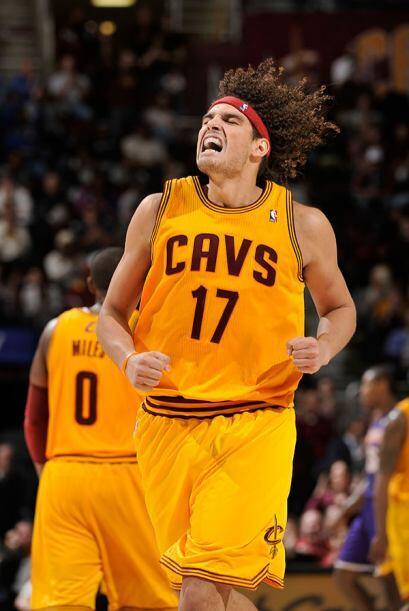 Anderson Varejao, Cleveland Cavaliers - Varejao jugaba su mejor temporad...