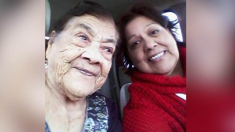 Antonia Pereyra (d) y su madre Paula Rivas Venegas de Pereyra (i).