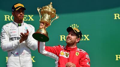 Vettel se coronó en el GP de Gran Bretaña; 'Checo' Pérez remontó, pero no le alcanzó para sumar puntos