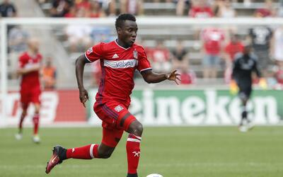 David Accam no se mueve de Chicago Fire.
