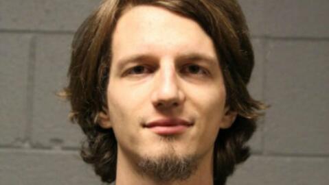 Kyle Miskell, quien está a la espera de su juicio, enfrenta cargo...