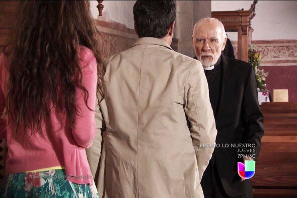 Pónganse a temblar Roberta y Severiano, el padre Sixto descubrió que son...