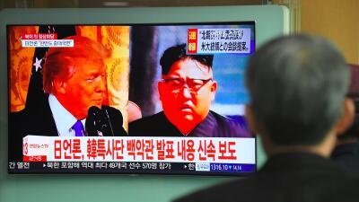 El presidente, Donald Trump, y el líder norcoreano, Kim Jong Un, en una...