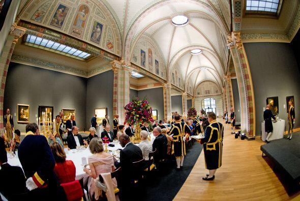Los invitados de Beatriz de Holanda cenaron rodeados de algunas de las o...