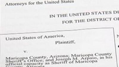 Papeles de demanda contra el Sheriff Joe Arpaio