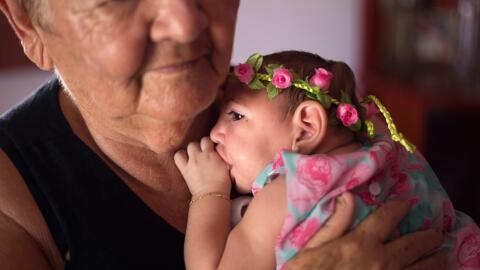 Ana Beatriz, de 4 meses de vida, fotografiada en el municipio de Lagoa d...