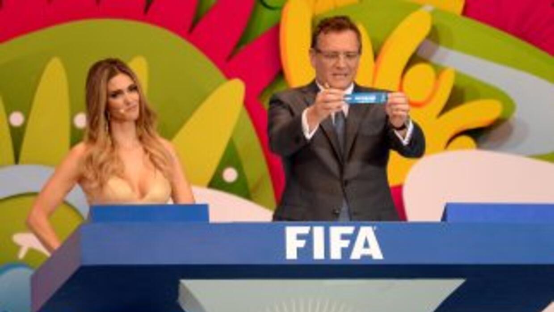 Nuevamente un sorteo de un mundial está bajo la lupa de los detractores,...