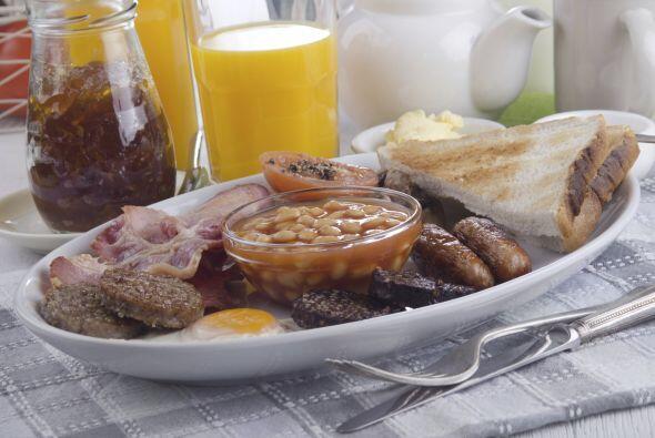 Los irlandeses gustan de un desayuno bien cargado que incluya huevos, to...