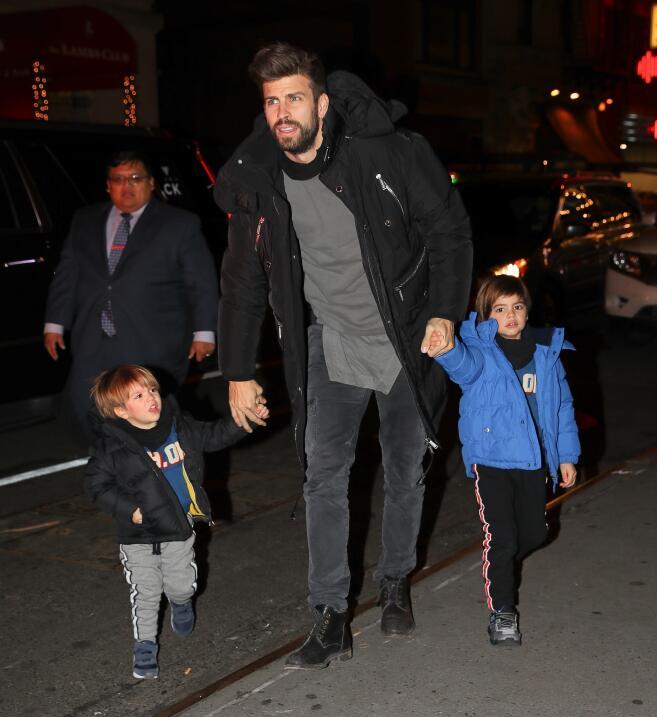Piqué y sus hijos en Nueva York