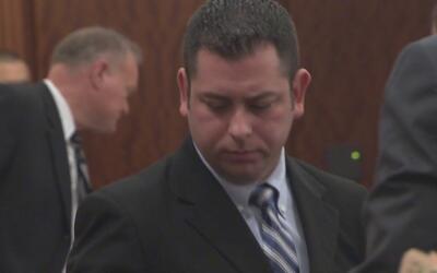Exoficial del condado Harris acusado de zoofilia y pornografía infantil...