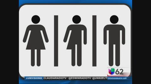 Juez de Texas bloquea medida de baños para alumnos transgénero
