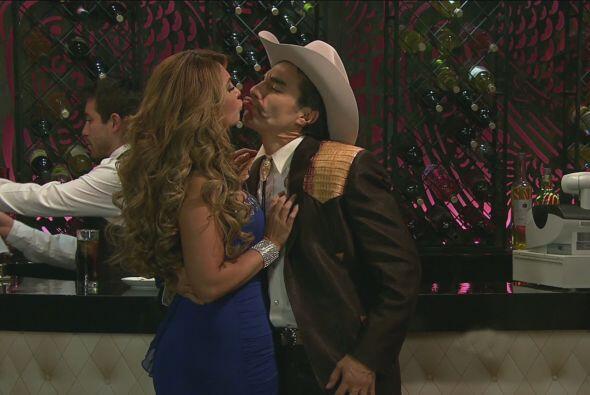 Y cuando él estaba a punto de besarla...