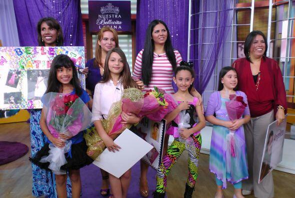 Las mamis de las concursantes estuvieron junto a ellas para apoyarlas.
