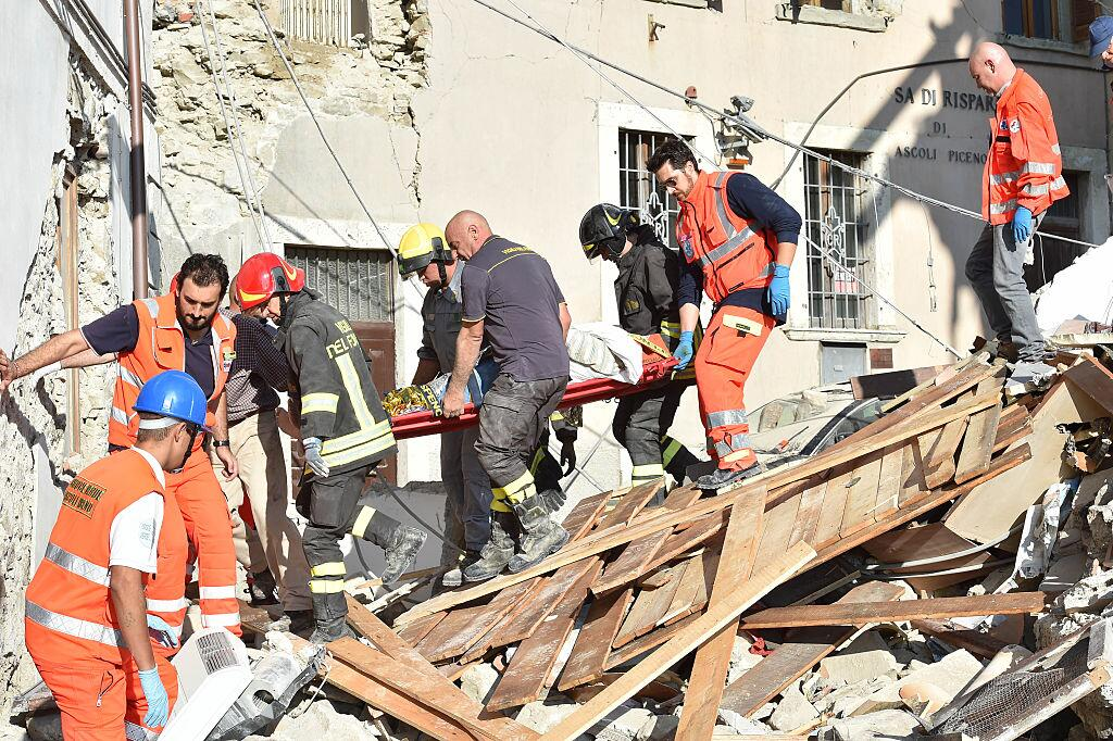 Potente terremoto estremece el centro de Italia y Roma arcuata5.jpg