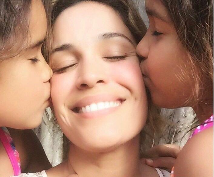 Karla Martínez hijas