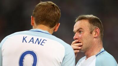 Wayne Rooney le puso presión a Harry Kane para que sobresalga con Inglaterra