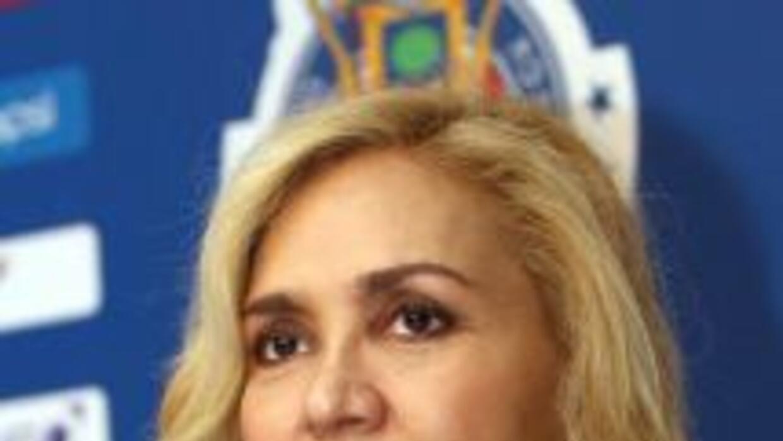 Angélica Fuentes busca sacar a Jorge Vergara y tomar el control de Chivas.