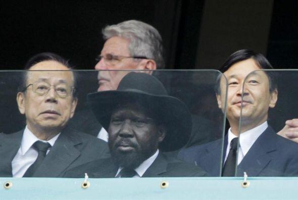 Al homenaje asistieron también el príncipe heredero nipón Naruhito, el p...