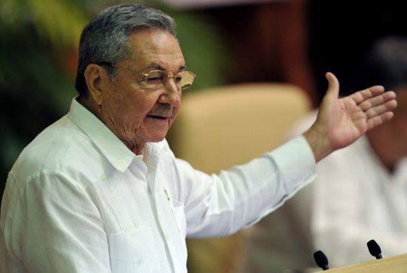 El gobierno cubano autorizará a los cubanos viajar como turistas al extr...
